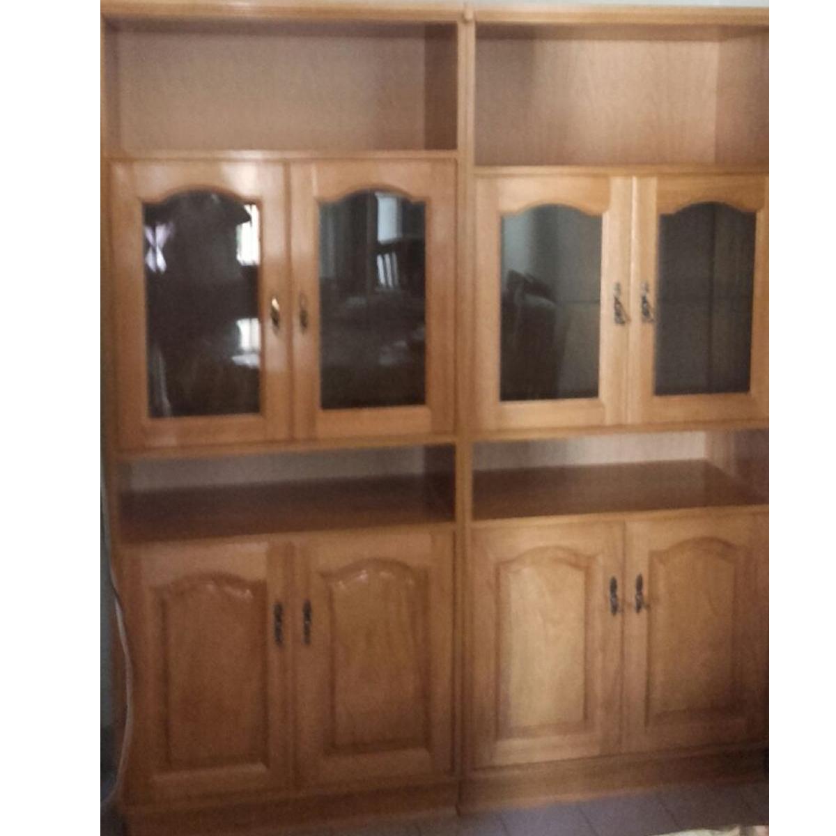 Comedor : Mueble de madera con vitrinas y puertas
